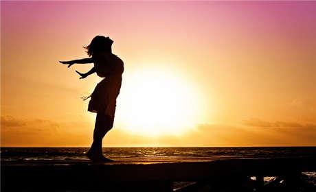 白癜风的早期症状特征与日常护理方法是什么?有必要了解