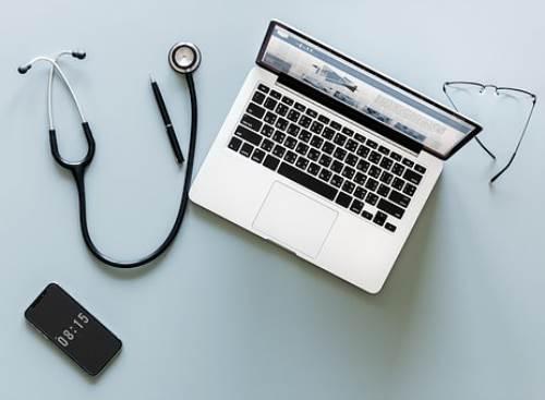 白癜风治疗费用是多少?患病会有哪些症状呢?