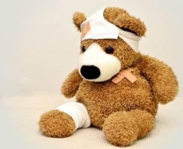 引起小儿脑瘫的原因有哪些?护理应做好哪些?