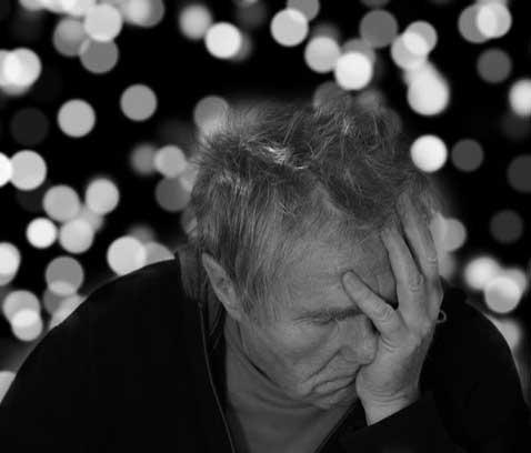 诱发老年白内障的原因及其预防措施,老年人更应该收藏起来