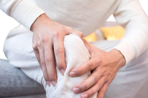 髌骨软化症的症状和治疗方法